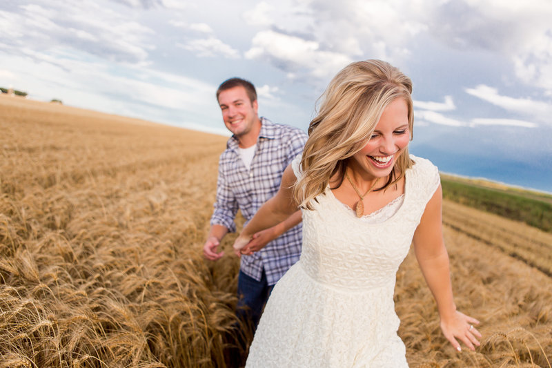 abby_anderson_fargo_moorhead_engagement_photographer_002