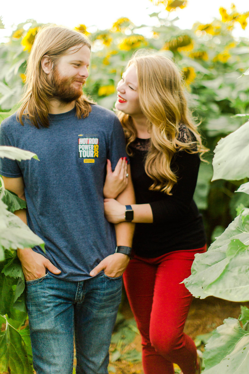 Chris & Emily - Sunflower Field - Dayton, Virginia-16