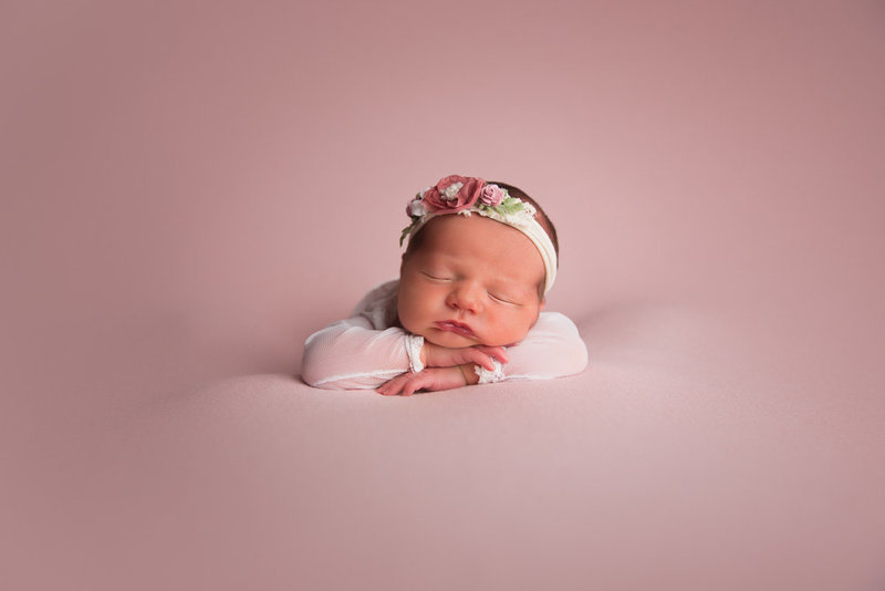 Clarksville newborn photographer