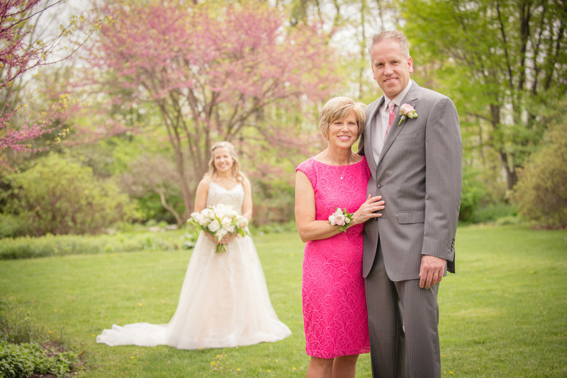 JandDstudio-kings-gap-carlisle-spring-wedding-photography-vintage-bride-parents