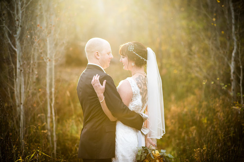 Fall wedding at Aspen Hall in Bend Oregon by Pete Erickson Photography.