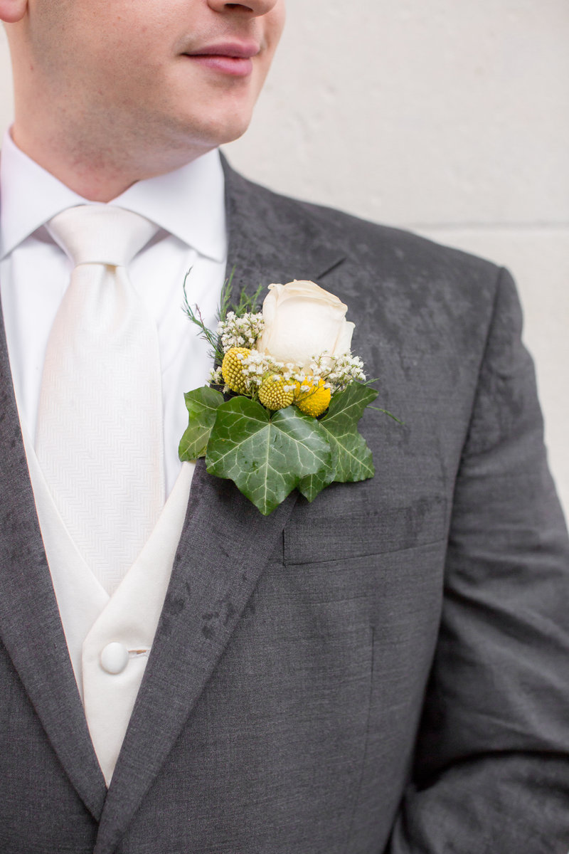 Rustic groom's boutonniere