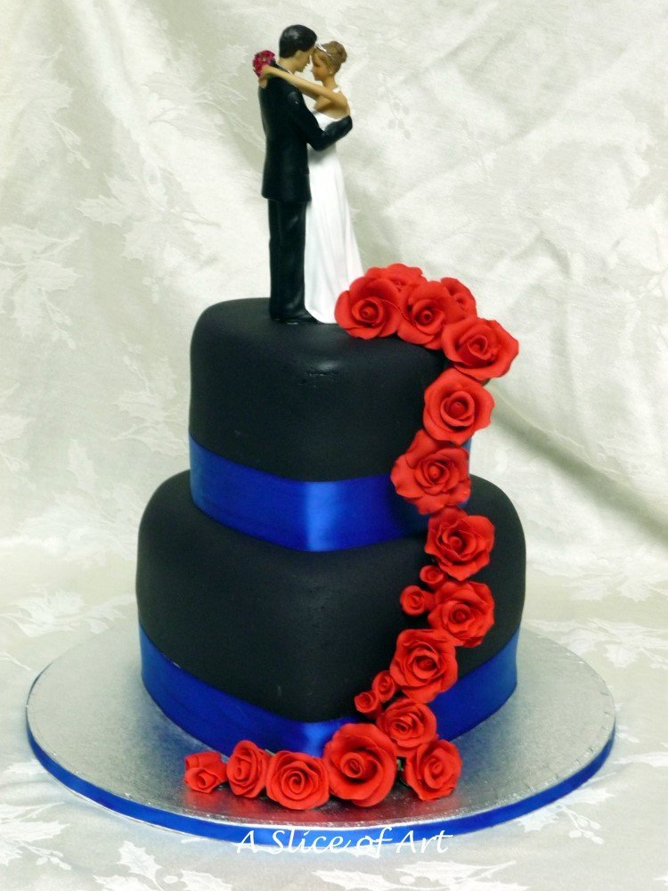heart rose wedding cake