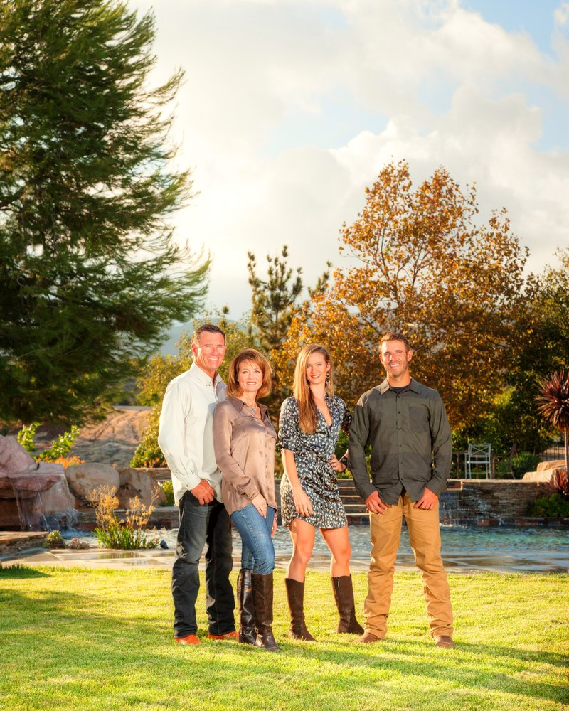 Creative,fun and refreshing family photos. Portraits,head-shots ,and kids photographer. Kassel photography
