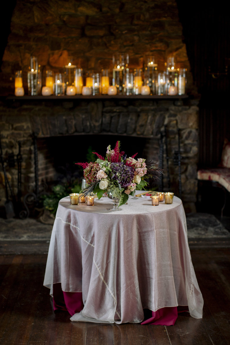 rustic sweetheart table at water witch club