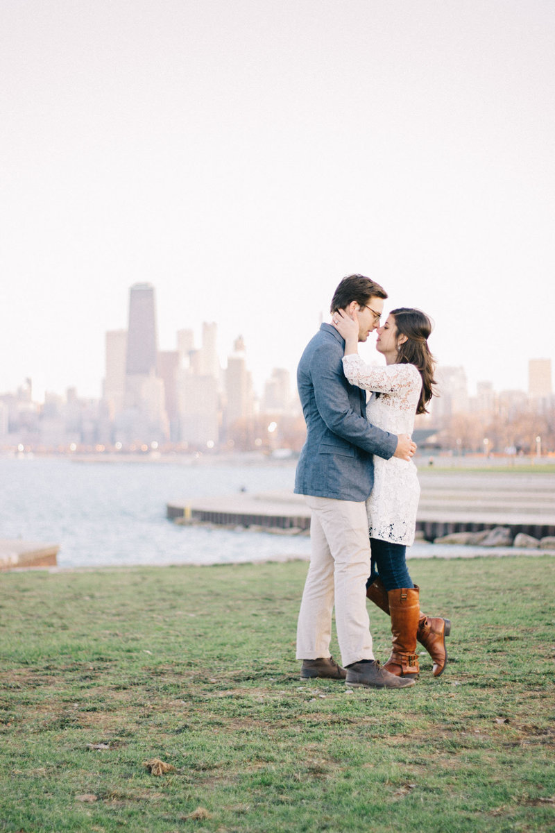 Lincoln Park Engagement Photographer with Chicago Skyline