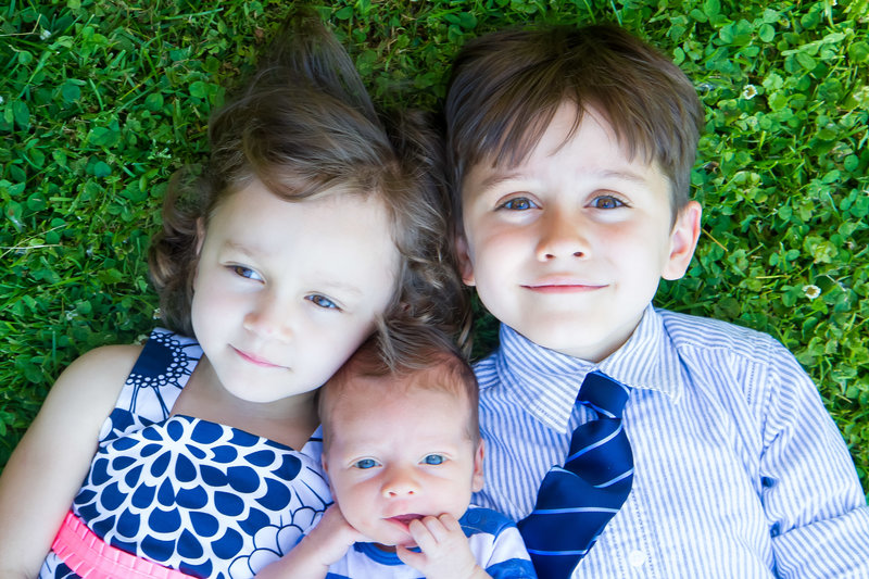 sibling portrait in grass-45