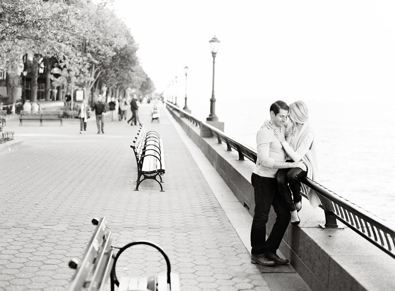 24-Battery-Park-City-Engagement-Photos