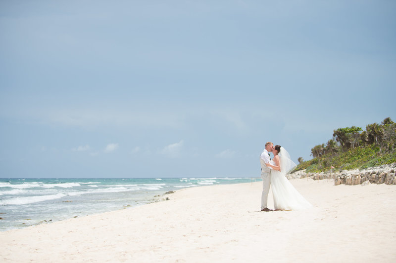 Cancun beach destination wedding photos