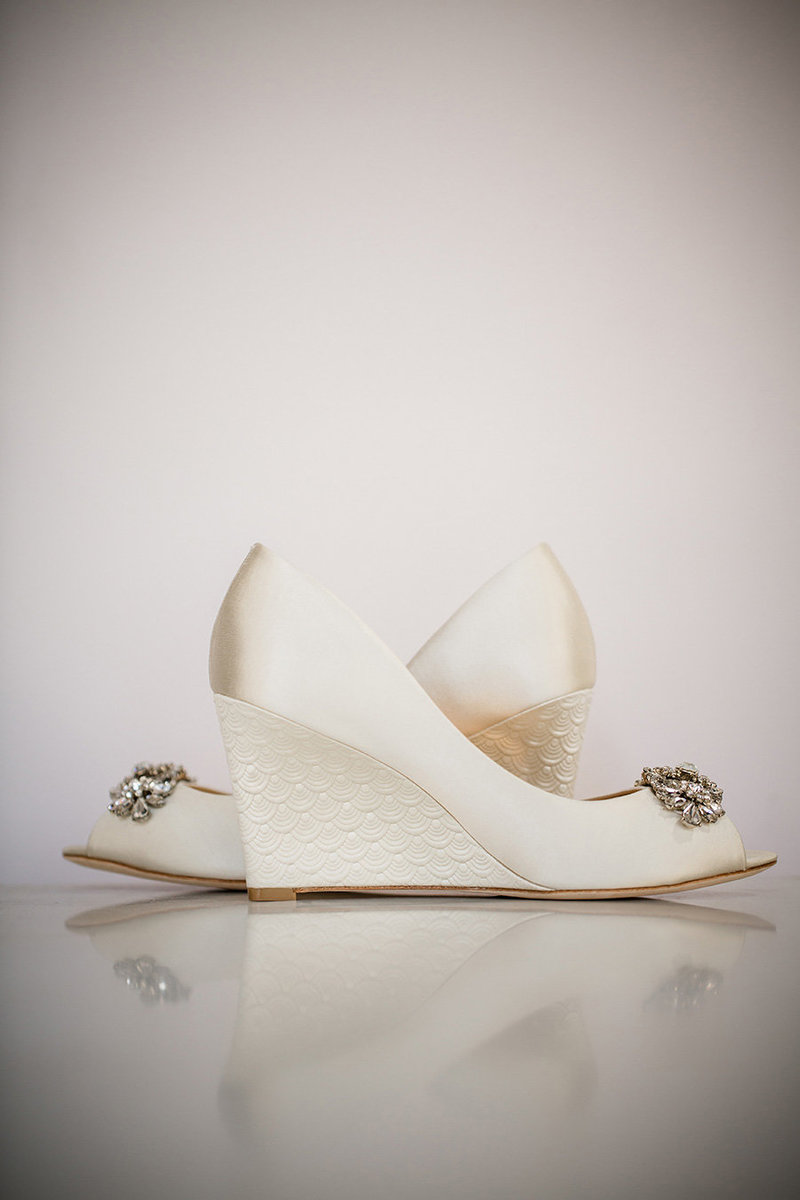 Bridal Badgley Mischka shoe detail at the Reed House Wedding Venue in Chattanooga, TN by Knoxville Wedding Photographer, Amanda May Photos.