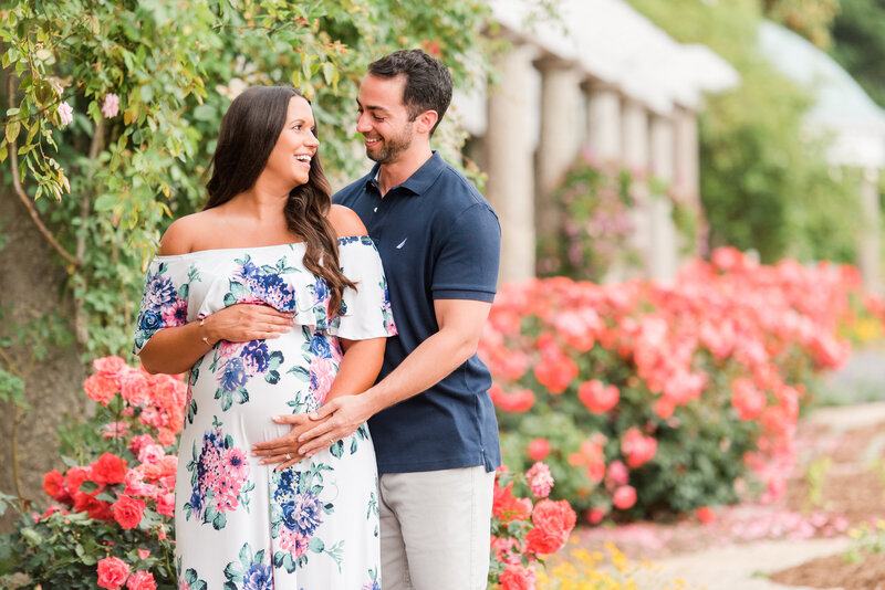 Richmond Maymont park spring rose garden maternity photography -6