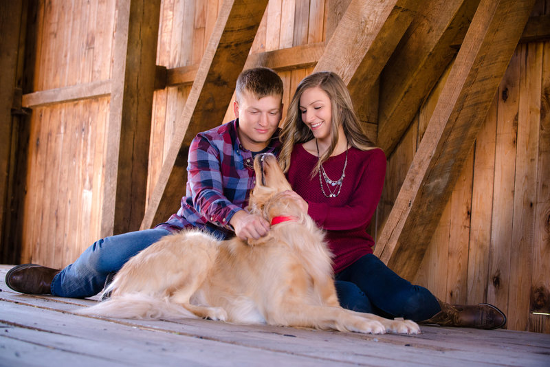 JandDstudio-engagement-rustic-vintage-fall-dog (2)