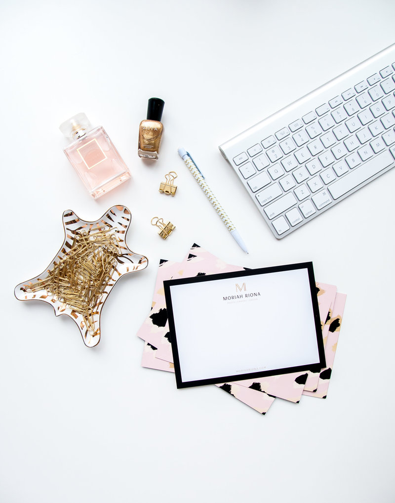 Desktop styled images flatlay for female entrepreneur