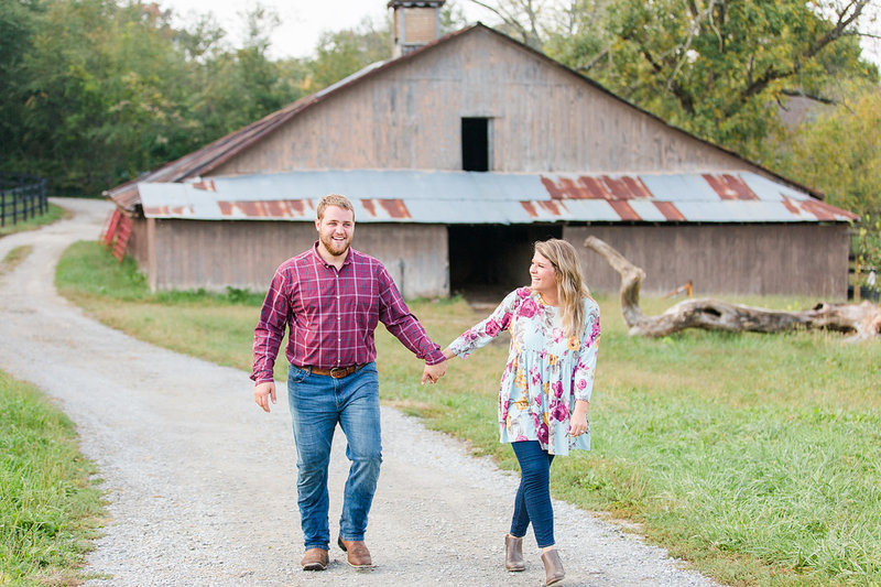 Engagement-Session-Farm-Barn-Louisville-Kentucky-Photo-by-Uniquely-His-Photography048