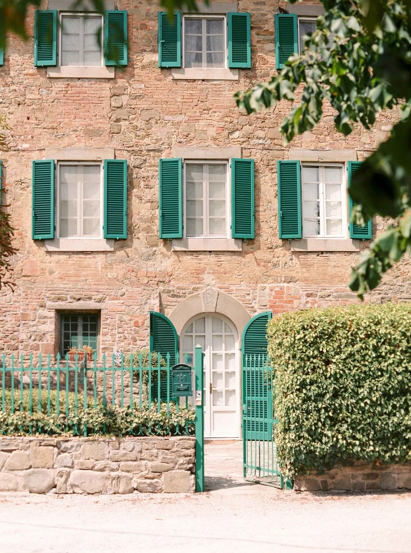 Image of the front entrance of B&B Casa Capanni in Cortona, Tuscany