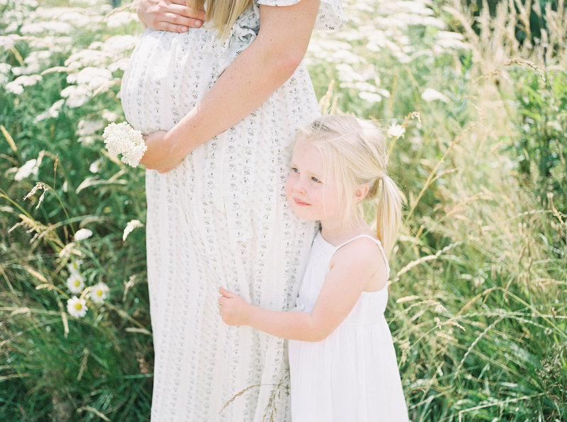 maternity photography mother daughter