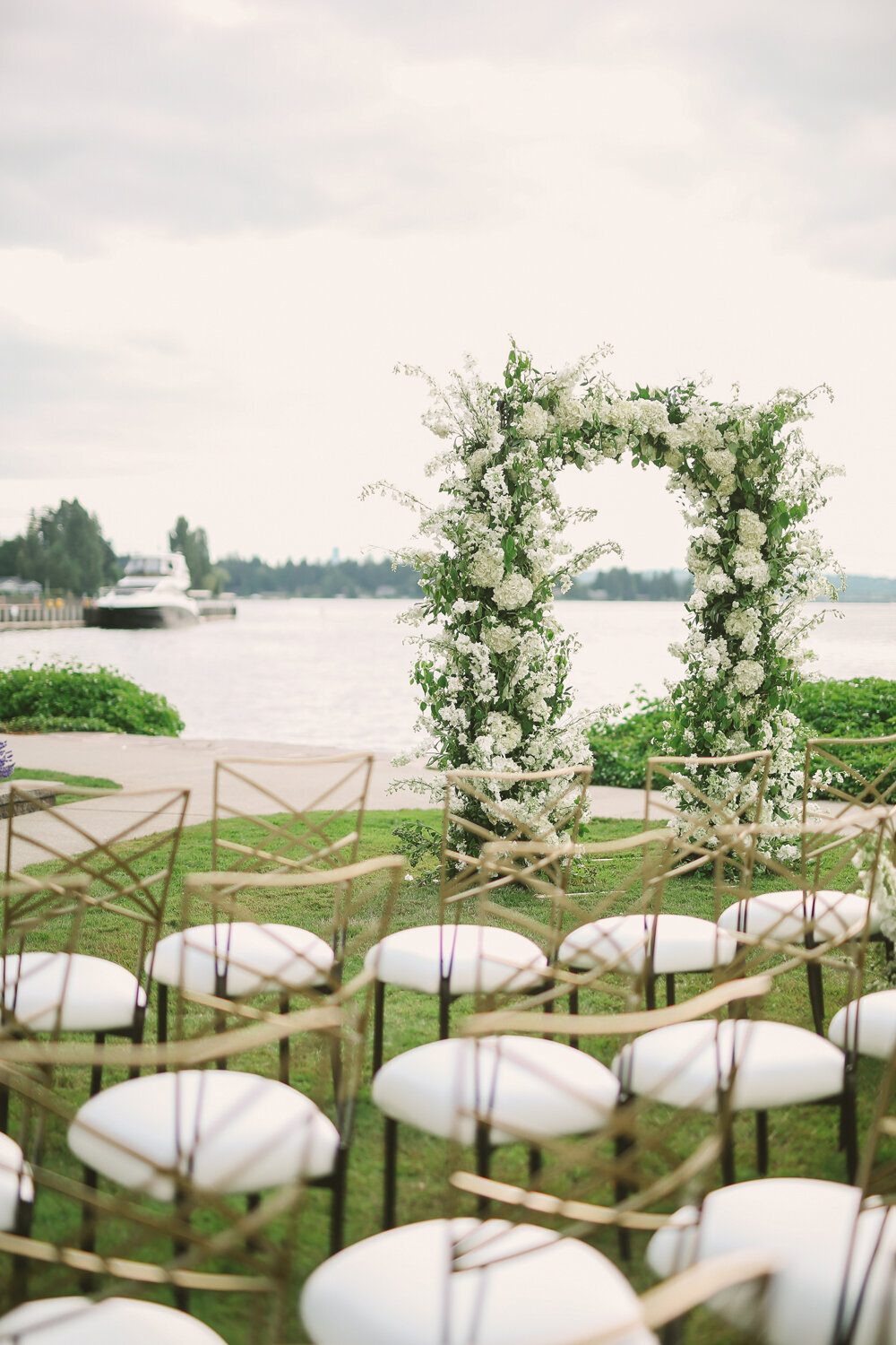 Kirkland-washington-wedding-planner-leigh-and-mitchell-waterfront-wedding-white-ceremony-arbor