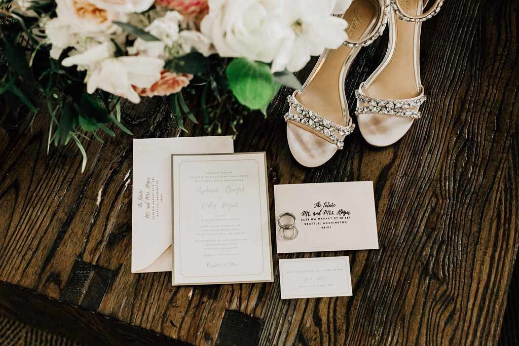 Bridal bouquet, shoes, and invitations are some of the details that are so important when designing a wedding.