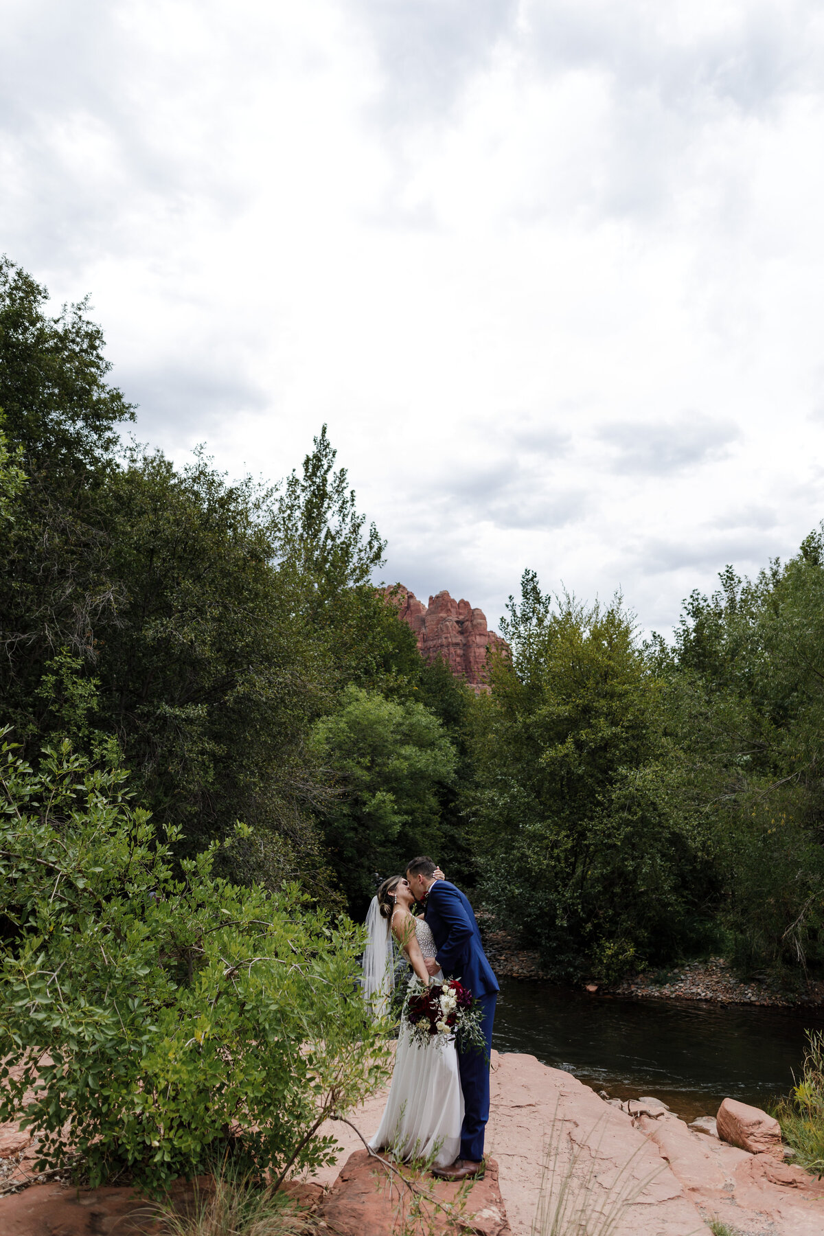 Sedona-Arizona-Elopement-Cathedral-Rock-Destination-Wedding-Photographer-88