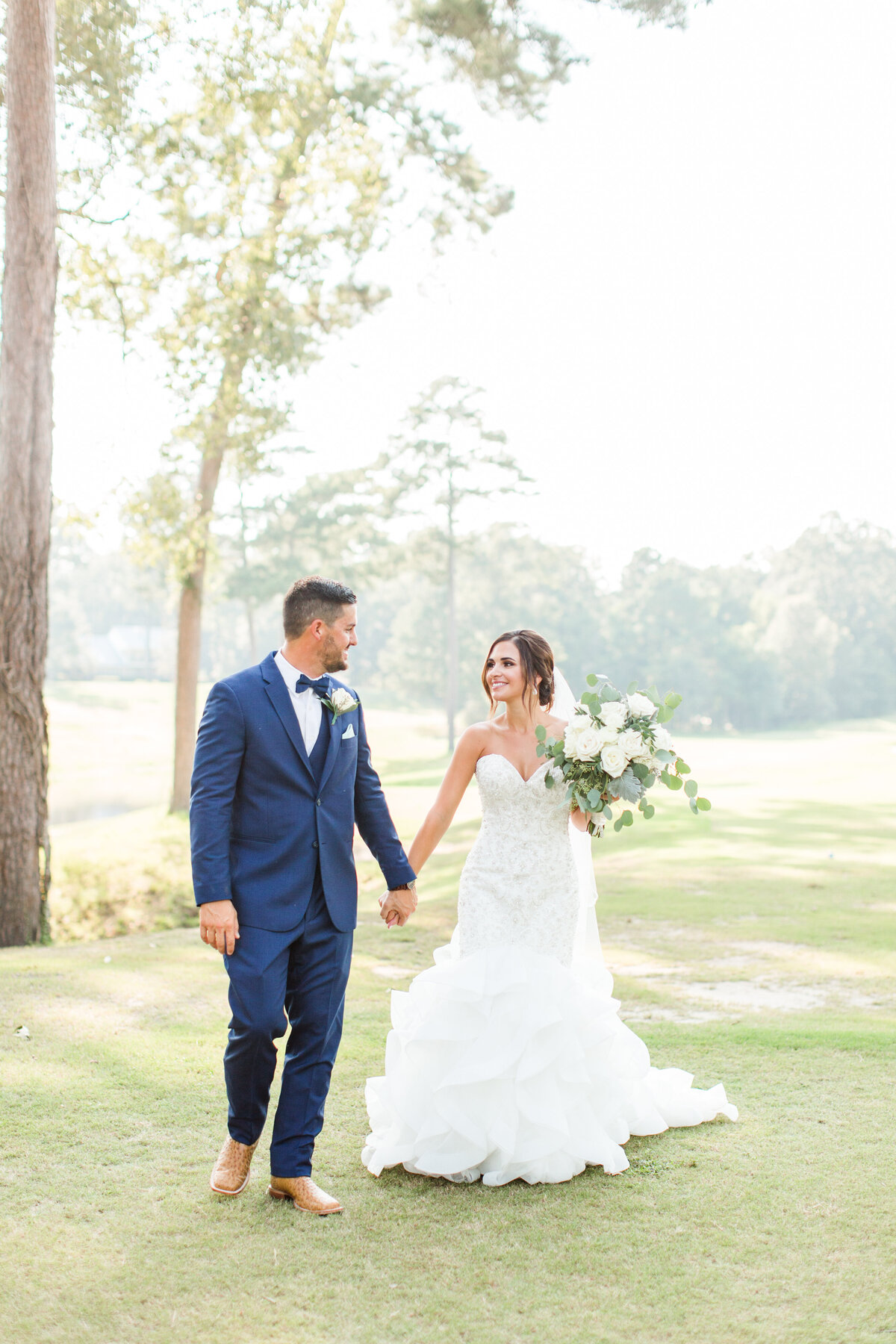 Renee Lorio Photography South Louisiana Wedding Engagement Light Airy Portrait Photographer Photos Southern Clean Colorful1677777