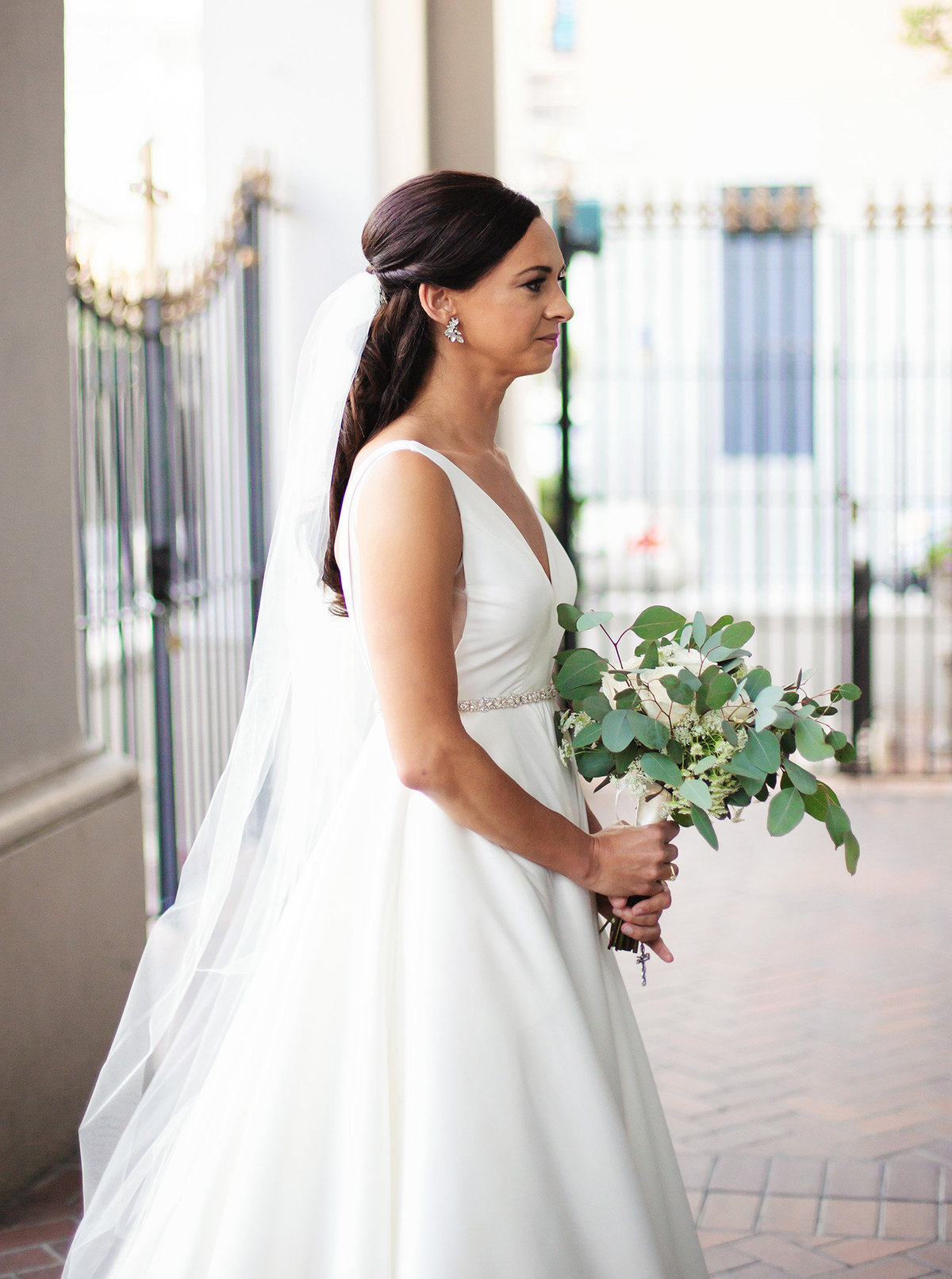 bride-waiting-to-walk-down-the-aisle