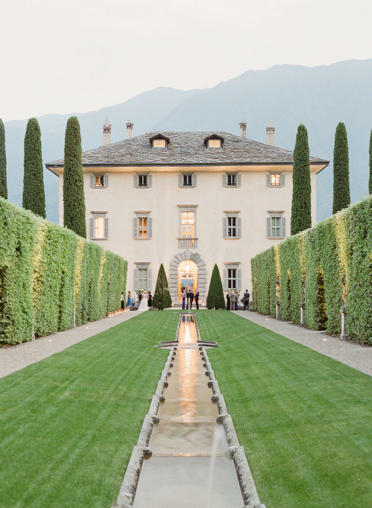 11-KTMerry-Lake-Como-wedding-villa-balbiano