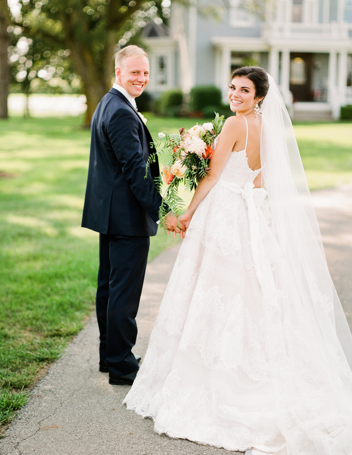 Pretty Prairie Farm Ohio wedding