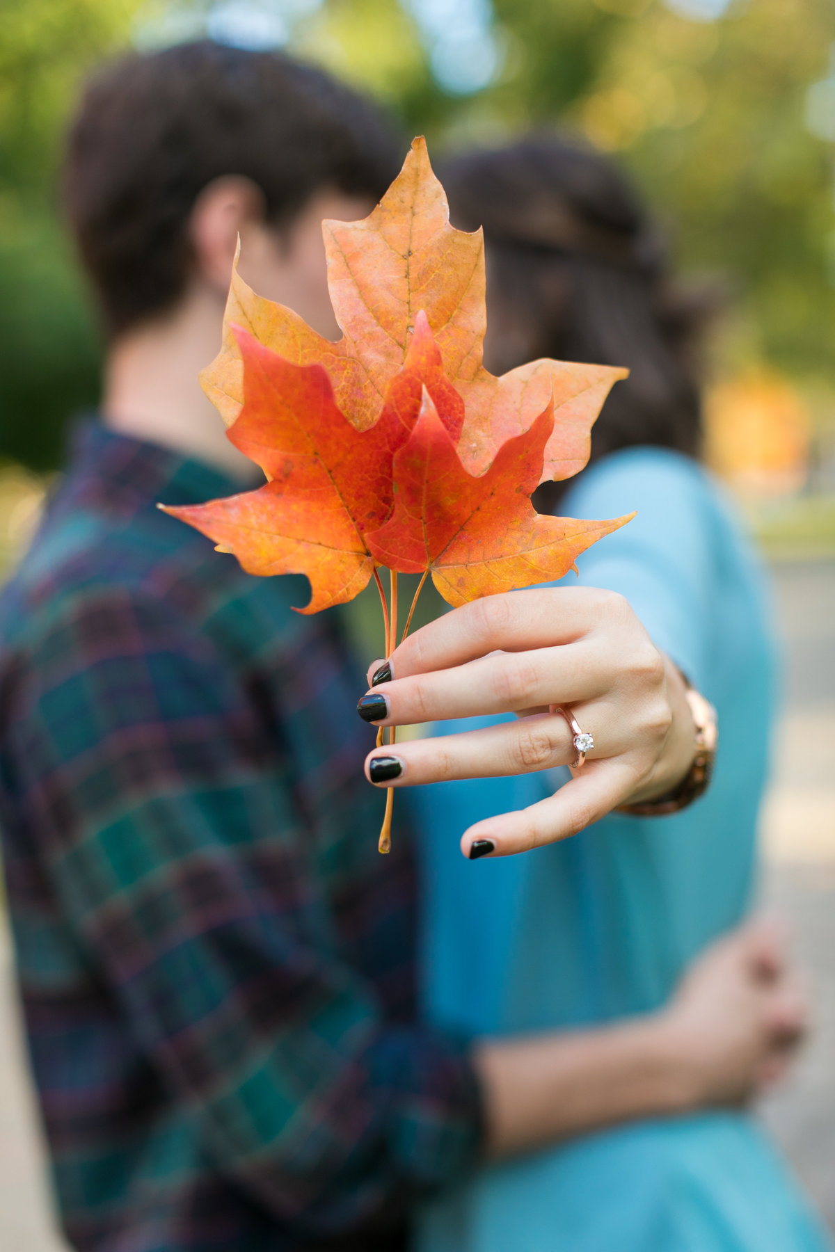 Fall-Engagement-Photos-Leaf-ring