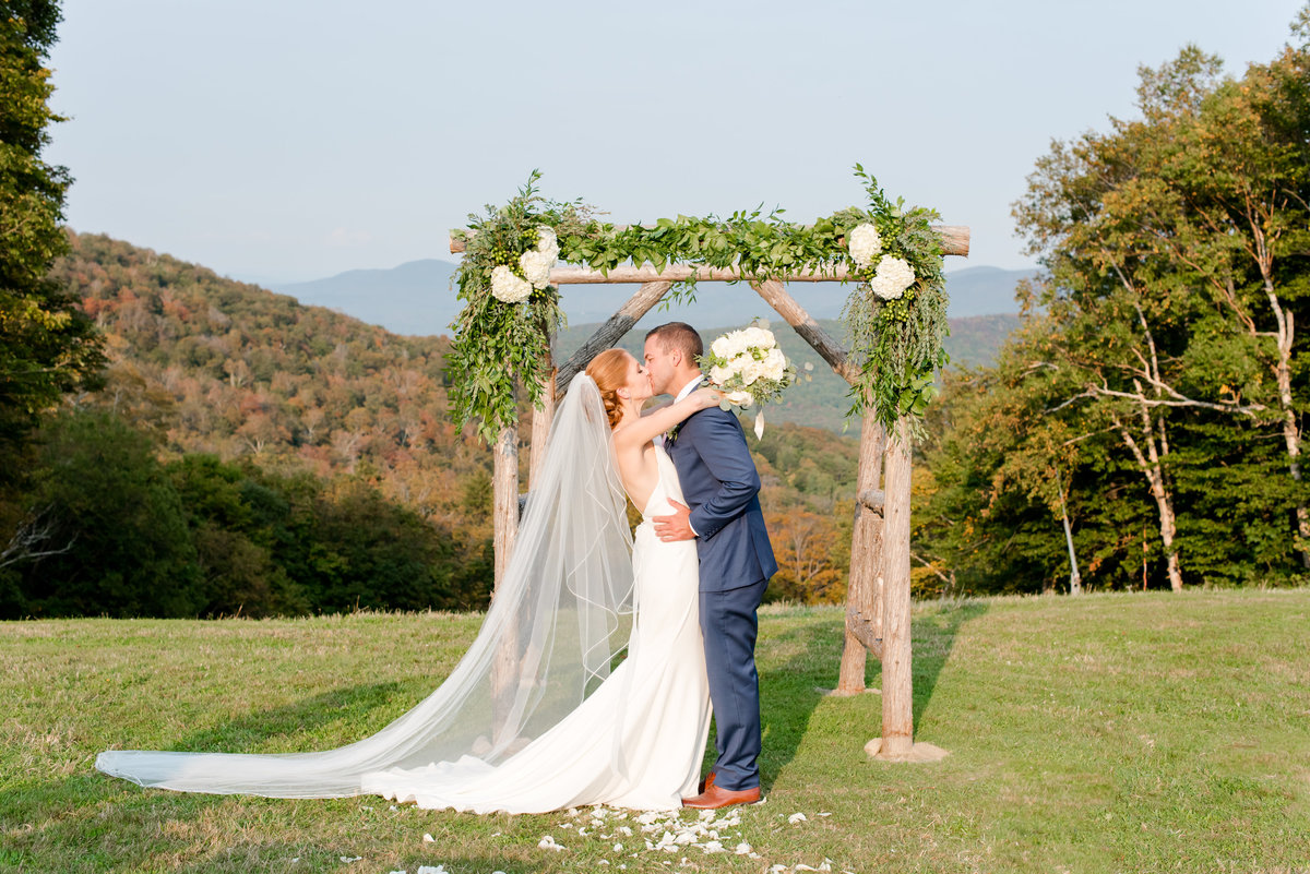Sugarbush Vermont Wedding-Vermont Wedding Photographer-  Ashley and Joe Wedding 204393-45