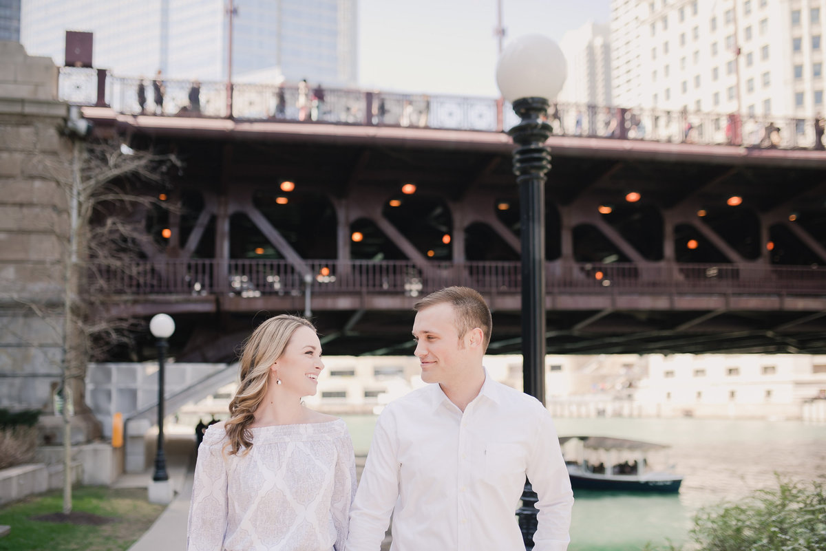 downtown chicago spring engagement photos