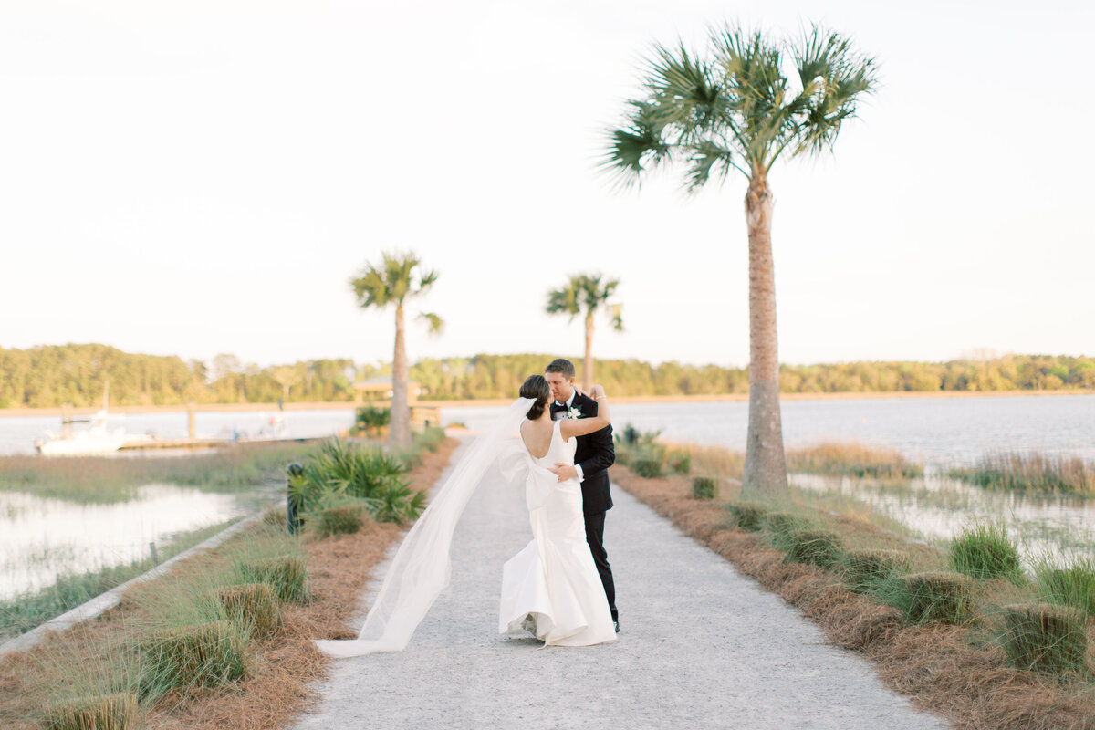 Powell_Oldfield_River_Club_Bluffton_South_Carolina_Beaufort_Savannah_Wedding_Jacksonville_Florida_Devon_Donnahoo_Photography_0945
