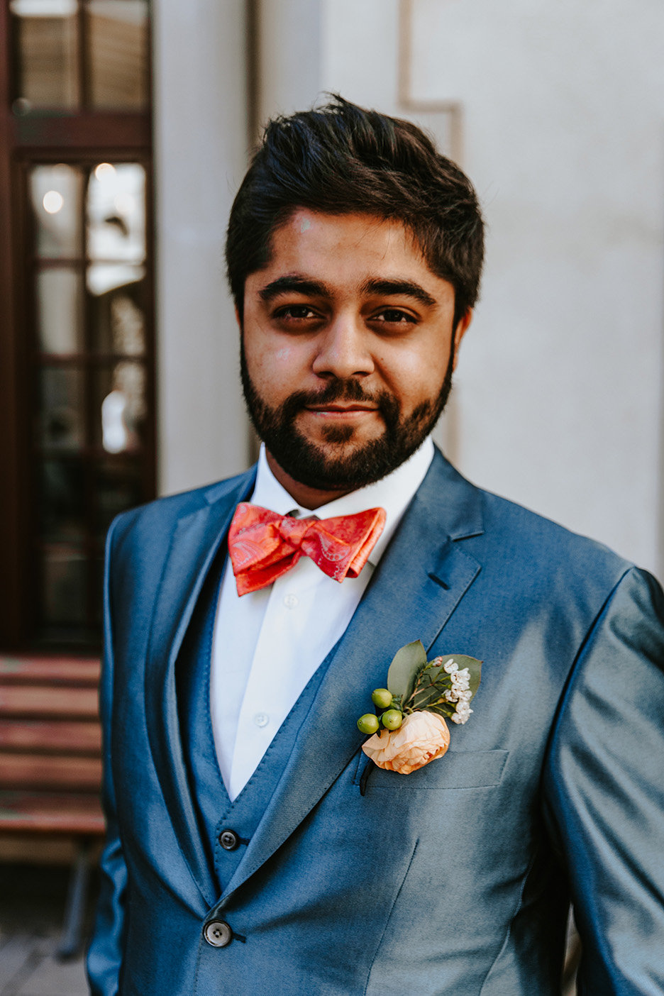 groom portrait in Vail Village in Vail Colordao