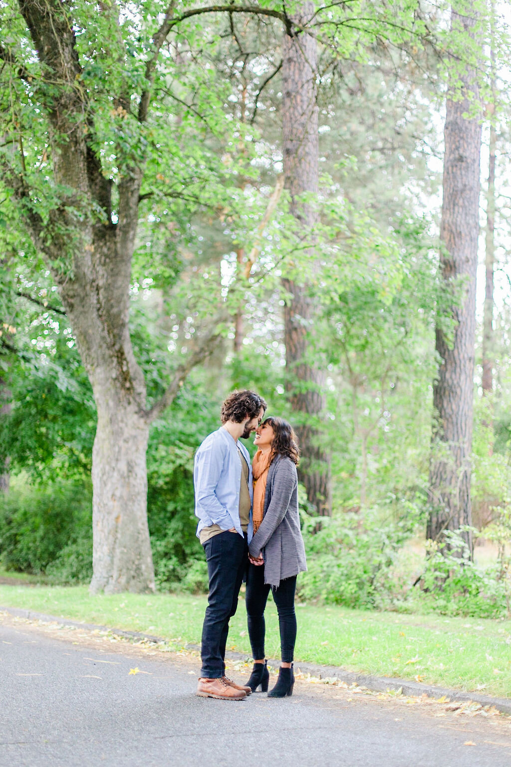trees_engagement_photos