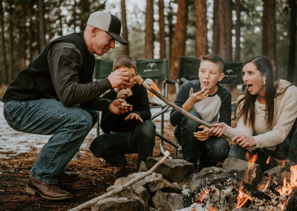 ochocos-forest-oregon-family-photographer-photography-woods-portrait-bend-redmond-central-oregon-6524