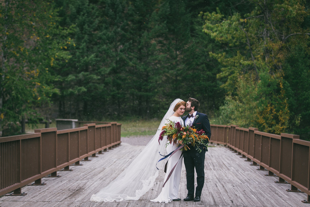 Jennifer_Mooney_Photography_Abbey_Stephen_Fall_Winter_Glacier_Park_Elopement-37