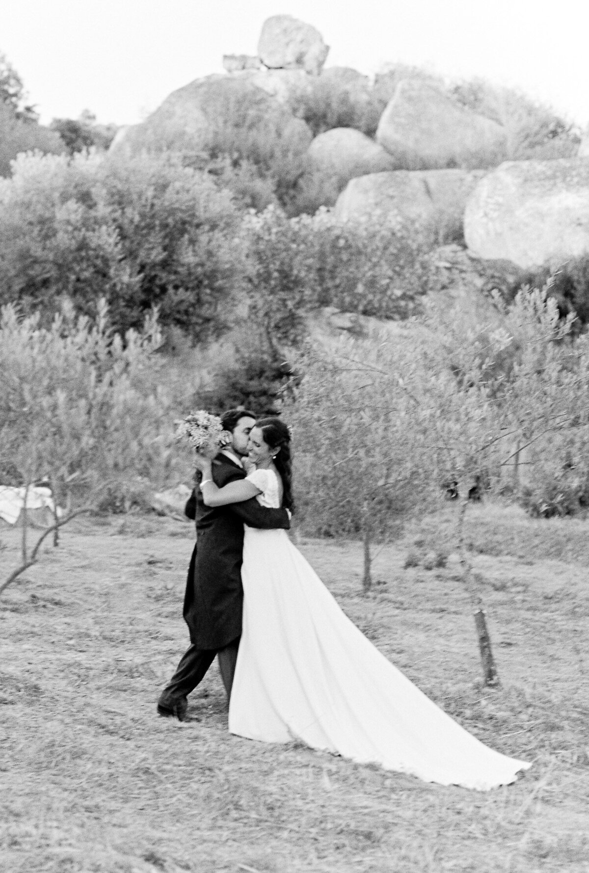 wedding_with_a_vintage_car_in_marvão-9