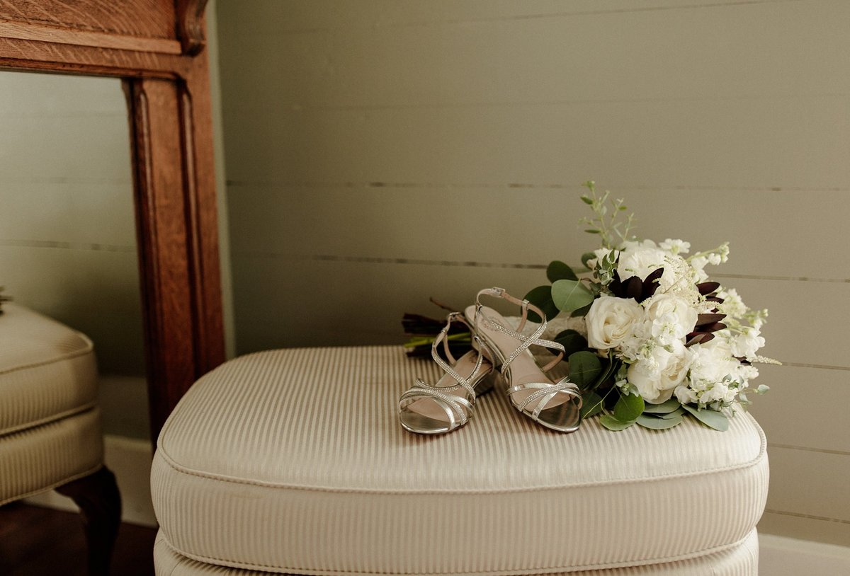 megan-renee-photography-coppes-commons-the-farmhouse-weddings-liz-jeremiah-19