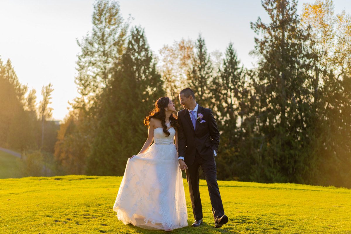 The Falls Golf Club sunset wedding photo of bride and groom