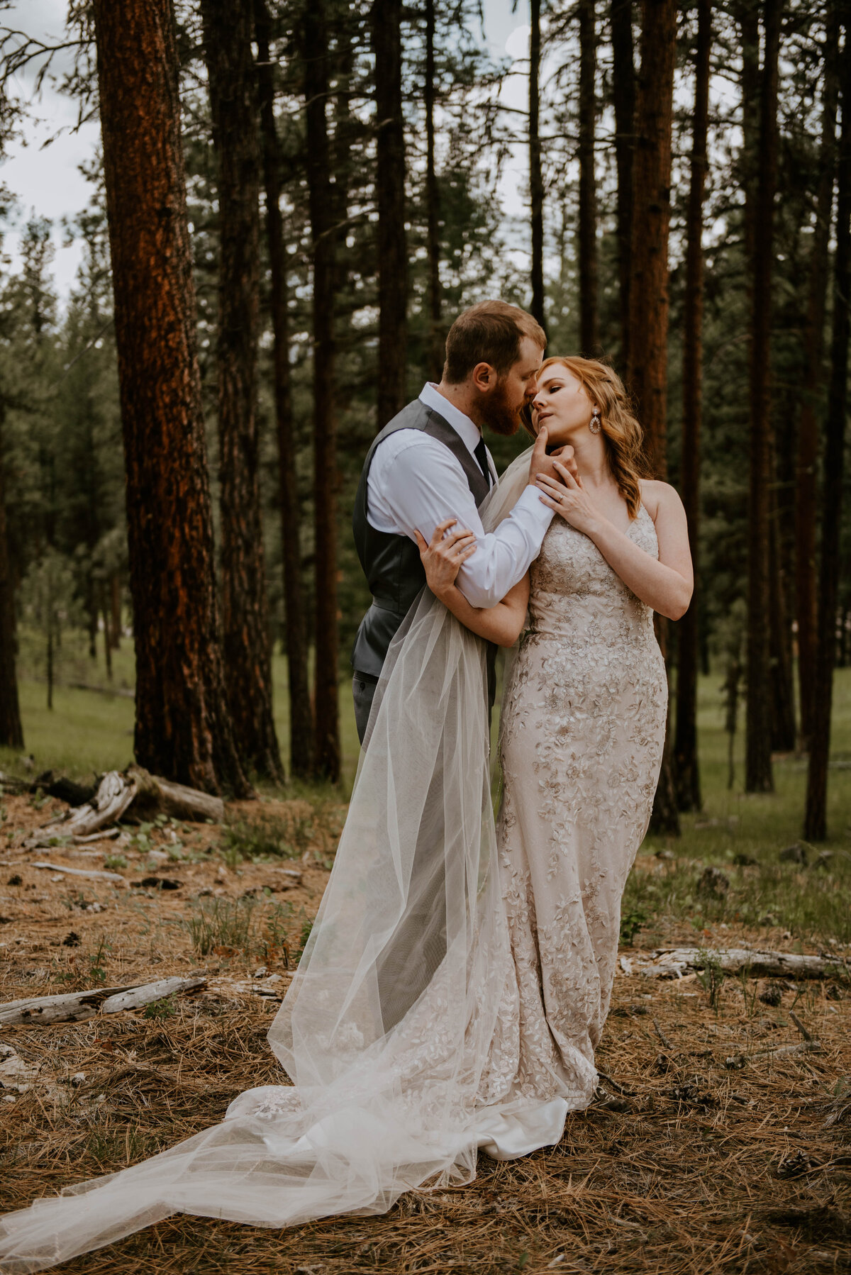 ochoco-forest-central-oregon-elopement-pnw-woods-wedding-covid-bend-photographer-inspiration1661