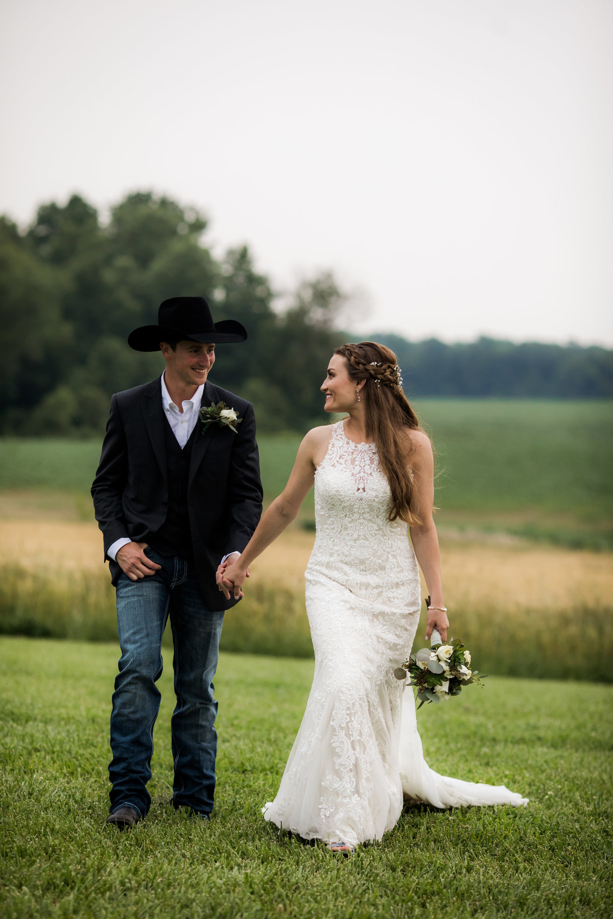 Nsshville Bride - Nashville Brides - The Hayloft Weddings - Tennessee Brides - Kentucky Brides - Southern Brides - Cowboys Wife - Cowboys Bride - Ranch Weddings - Cowboys and Belles069