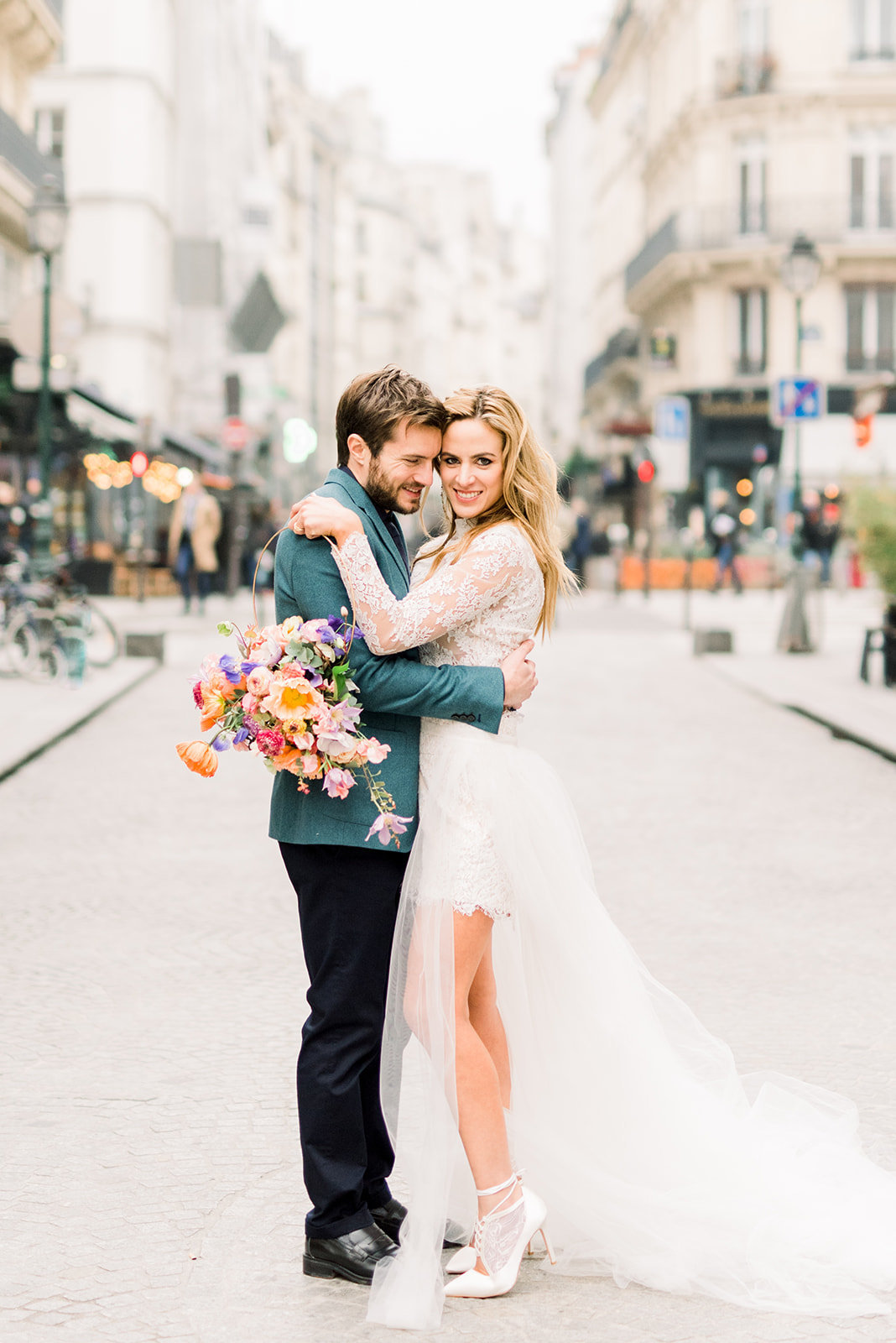 laure_lalliard_design_Art-Nouveau-Elopement_parisJanine_Licare_Photography_bride_groom