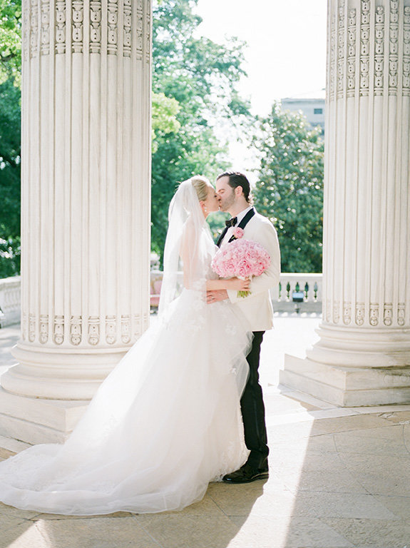 DAR-DC-wedding-film-kiss-photography