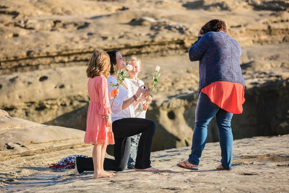 babsie-ly-photography-surprise-proposal-photographer-san-diego-california-la-jolla-windansea-beach-scenery-lgbt-001