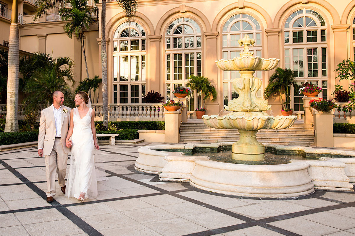 ritz carlton naples florida center court wedding photo