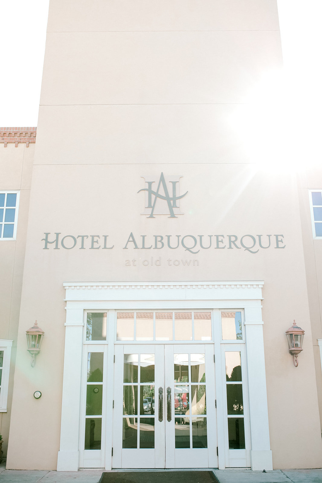 Albuquerque Wedding Photographer_Hotel Albuquerque_www.tylerbrooke.com_Kate Kauffman_001