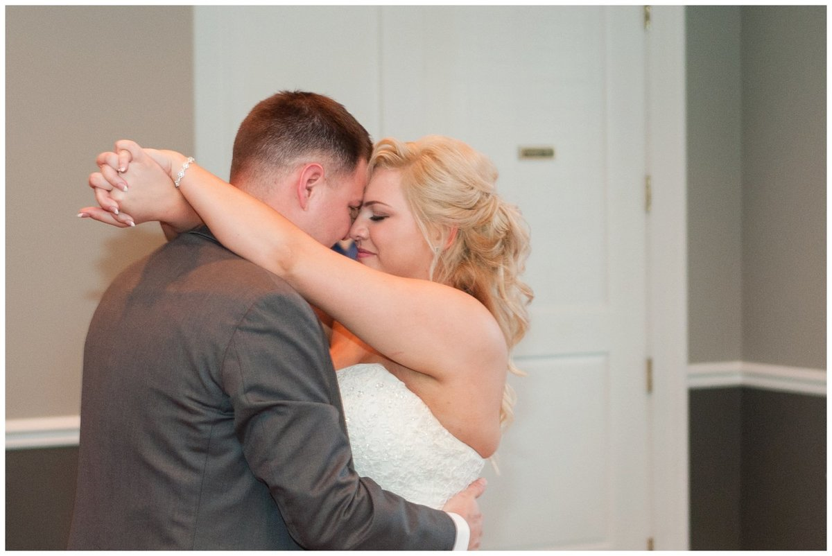 Heritage golf and country club wedding hilliard ohio wedding photos_0080