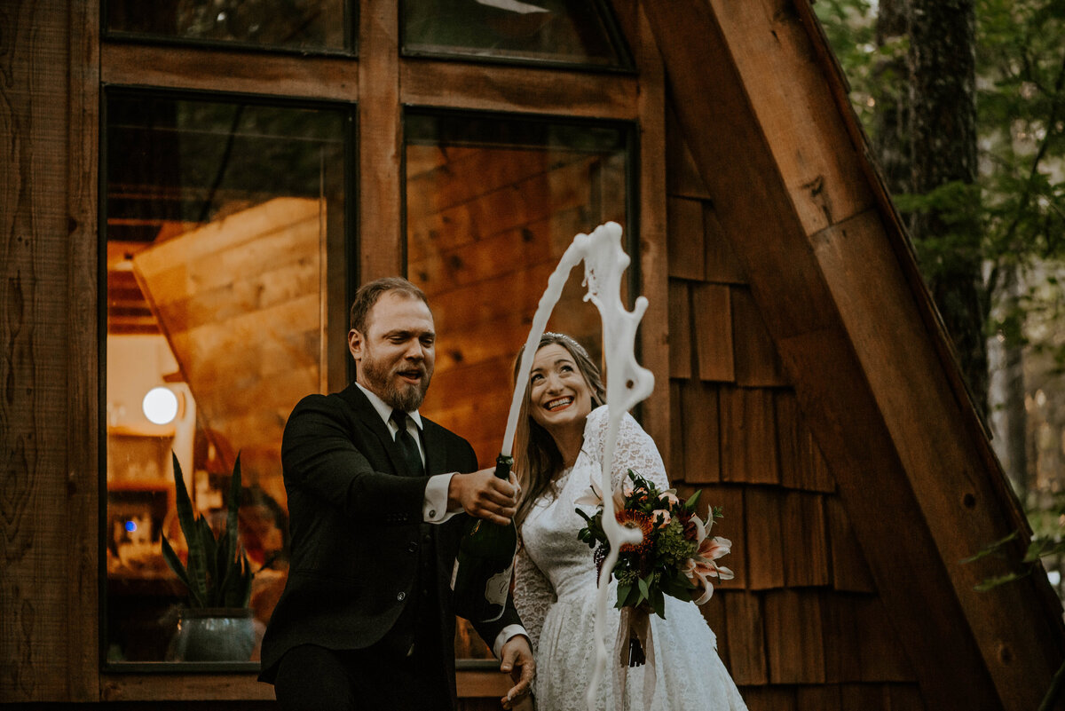 mount-hood-mountain-cabin-woods-elopement-forest-oregon-pnw-wedding-photographer8880