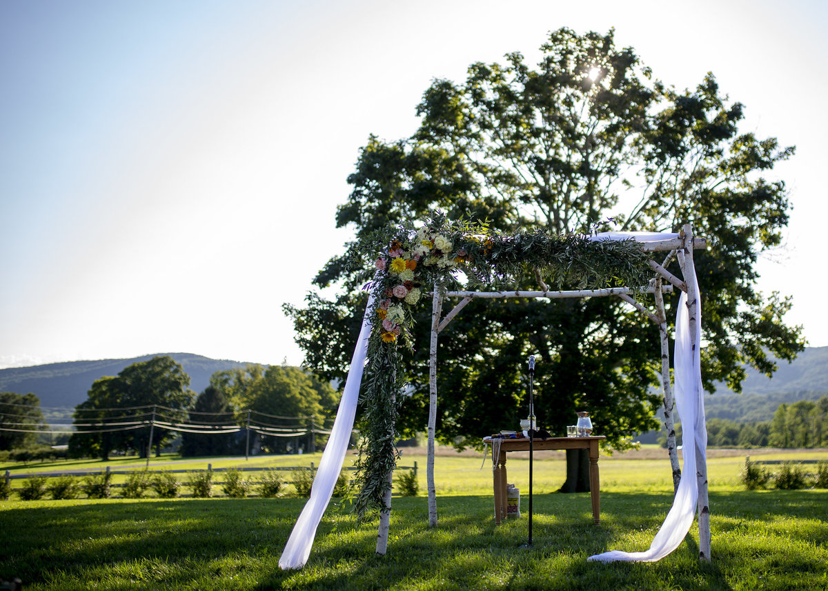 web_924Lion-Rock-Farm-Connecticut-wedding-monica-relyea-events-hudson-valley-jewish-wedding-hannah-cohen-photography-planner-new-york-city-couple
