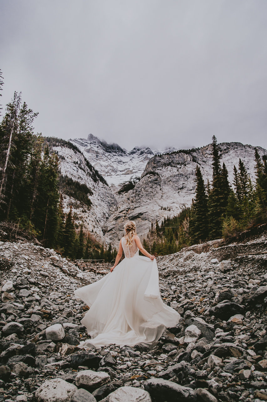 top banff wedding photographer captures bride in stunning canadian rocky mountains