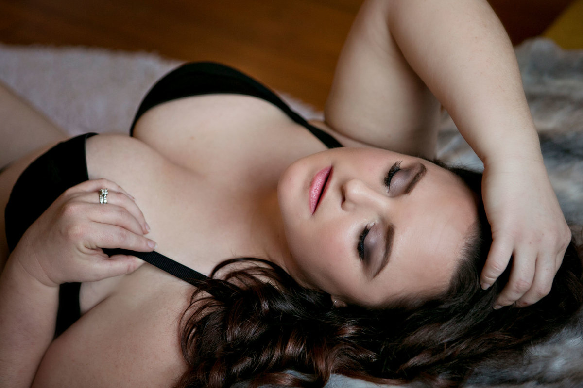 Boudoir studio offering hair and makeup